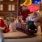 【猫CM】猫とクリスマス!?たくさんのクリスマスグッズを前に猫たちの反応は・・・!?