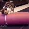 【猫動画】かわいすぎ!ロールで遊ぶ子猫たちの様子