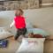 【猫動画】猫の身体能力高すぎ!!!子供に踏まれそうになった猫の驚きの動きとは・・・!?